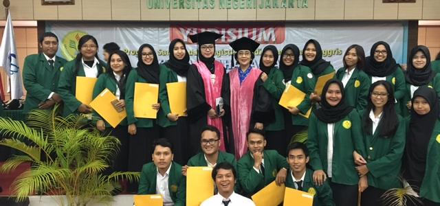 Yudisium Sarjana Prodi Pendidikan Bahasa dan Sastra Indonesia FBS UNJ Semester Gasal 105 2016-2017