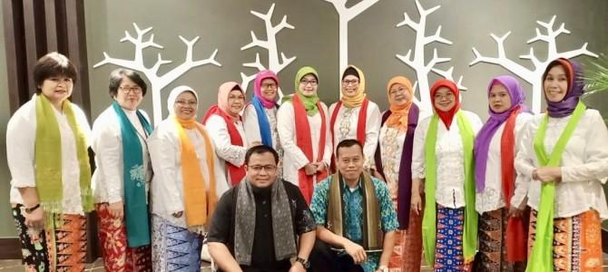 Aksi Grup Kicir-Kicir FBS UNJ pada Malam Budaya Forum FBSI LPTK di Gorontalo