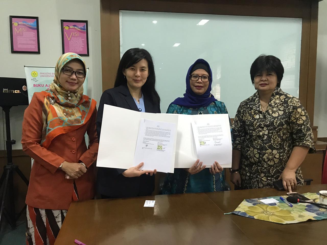 Penandatangan Dokumen Kerja Sama FBS UNJ dengan Perkumpulan Sekolah SPK Indonesia